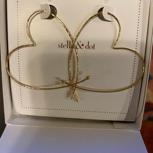 Stella and Dot Large Hammered Heart Earrings